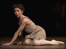 Leanne Benjamin in Manon. � Bill Cooper.