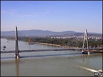 Puente cerca de Budapest en Hungr�a