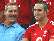 Sir Allen Stanford and England captain Kevin Pietersen