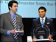 Vladimir Kramnik and Viswanathan Anand with their trophies