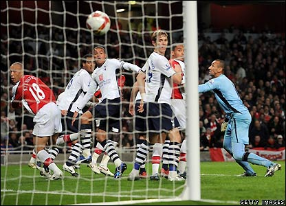 Silvestre wathces his header find the net for Arsenal