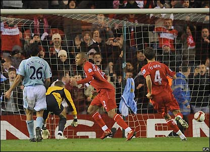 Alves scores for Middlesbrough