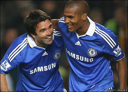 Deco celebrates with Malouda