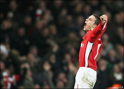 Van Persie celebrates scoring Arsenal's fourth goal