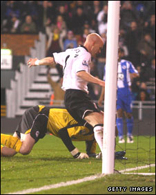 Andrew Johnson nets his first Fulham goal at Craven Cottage