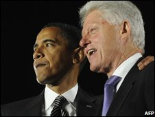US Democratic presidential candidate Barack Obama (left) with former US president Bill Clinton at a rally in Florida (29/10/2008)