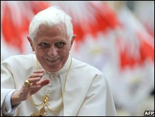 Pope Benedict XVI greets the faithful at St Peter's square