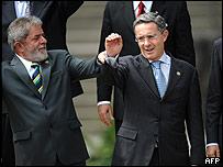 Presidentes Luiz Inacio Lula da Silva y �lvaro Uribe