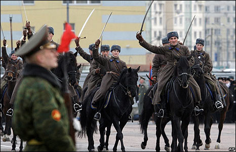 Russian soldiers rehearse for a parade