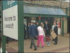 Lowestoft railway station