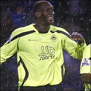 Heskey celebrates his winner