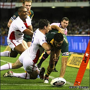 Inglis adds his second despite the efforts of Paul Wellens and Leon Pryce