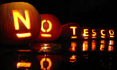 No to Tesco lanterns carved out of pumpkins (picture: Paul Bullen)