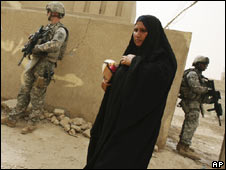 US troops search house in Iraq