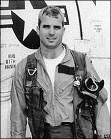 John McCain with his US navy air squadron in 1965