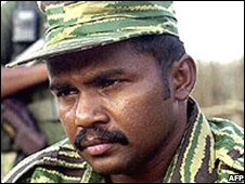 Col Karuna shortly after splitting from the Tamil Tigers