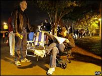 На избирательных участках выстроились длинные очереди с самого утра