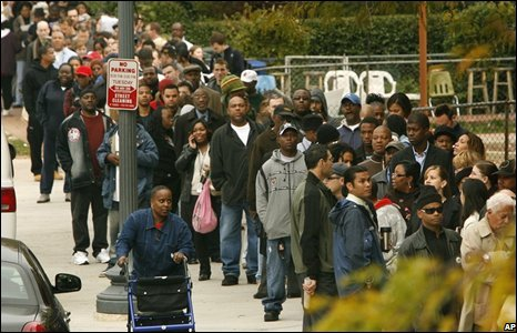 People queue to vote in Washington DC