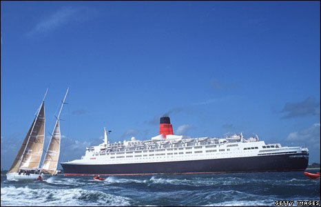 The QE2 and New Zealand Endeavour near Southampton in June 1994.