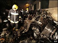 Imagen del avión destrozado