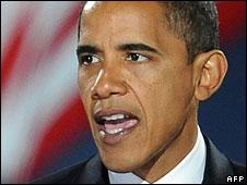 Barack Obama addresses supporters in Chicago, 4 Nov 2008