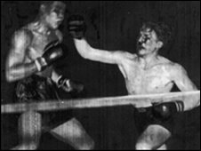 Tommy Farr fighting Joe Louis
