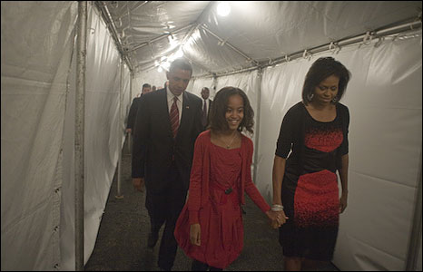 Barack Obama and his family walk through a tunnel towards the Grant Park stage (image by David Katz/Obama for America)