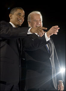Barack Obama and Joe Biden on stage at Grant Park (image by David Katz/Obama for America)