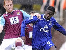 Louis Saha battled with James Collins