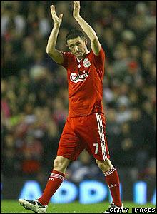 Keane is replaced by Fernando Torres