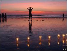 Kuta beach memorial in 2003