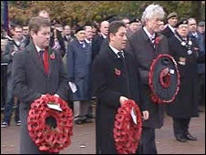 [L-R]: Kevin Brennan MP, Cardiff council leader Rodney Berman and First Minister Rhodri Morgan lay wreaths at the Remembrance Sunday service