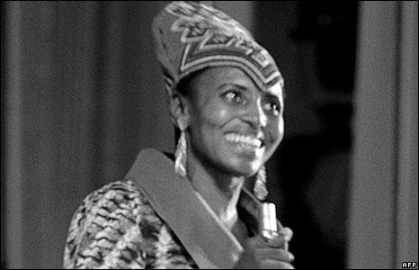Miriam Makeba singing in Algiers in 1969