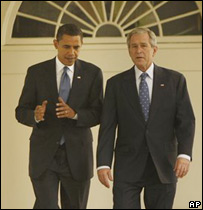 Barack Obama y George W. Bush