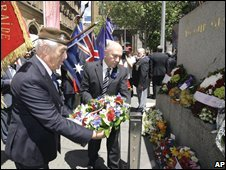A wreath is laid at the cenotaph in Sydney, Australia, 11 November 2008
