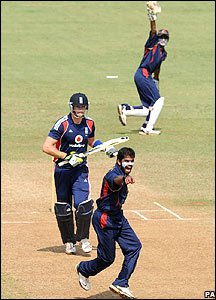 Kevin Pietersen sees his wicket tumble