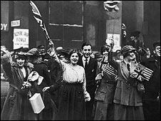 Armistice celebrations in Britain