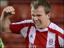 Glenn Whelan scores Stoke's opening goal