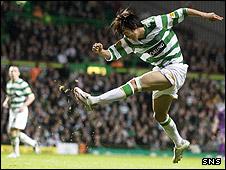 Shunsuke Nakamura scores Celtic's third