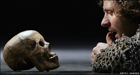 Hamlet talks to the skull of Yorick