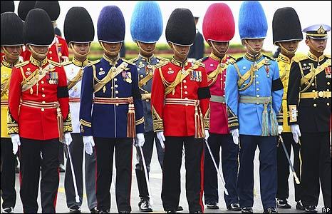 Soldiers in full dress uniform
