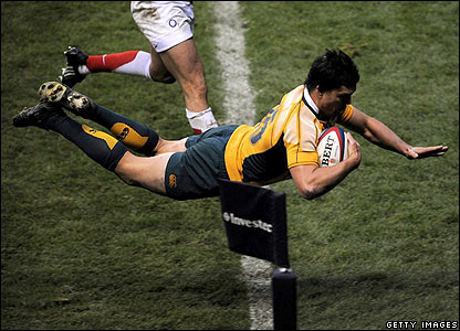 Adam Ashley-Coopers' try seals the win for Australia