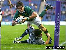 Jaque Fourie scores South Africa's try in the second half