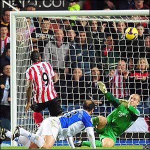 Djibril Cisse scores for Sunderland
