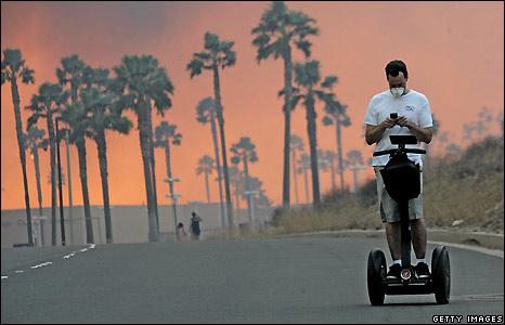 Man rides Segway in Yorba Linda - 15/11/2008