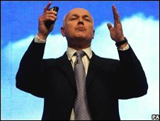 Iain Duncan Smith addresses the Conservative Party Conference in September 2008