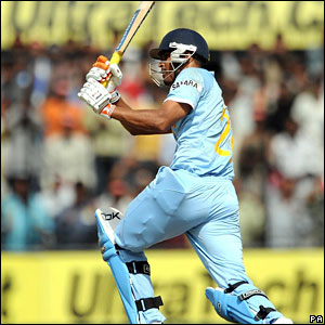 Yusuf Pathan hits out to reach his 50