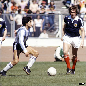 Diego Maradona (left) and Kenny Dalglish