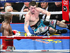 Floyd Mayweather knocks down Ricky Hatton