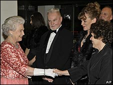 The Queen meeting (l-r) Sir Derek Jacobi, Samantha Bond and Imelda Staunton